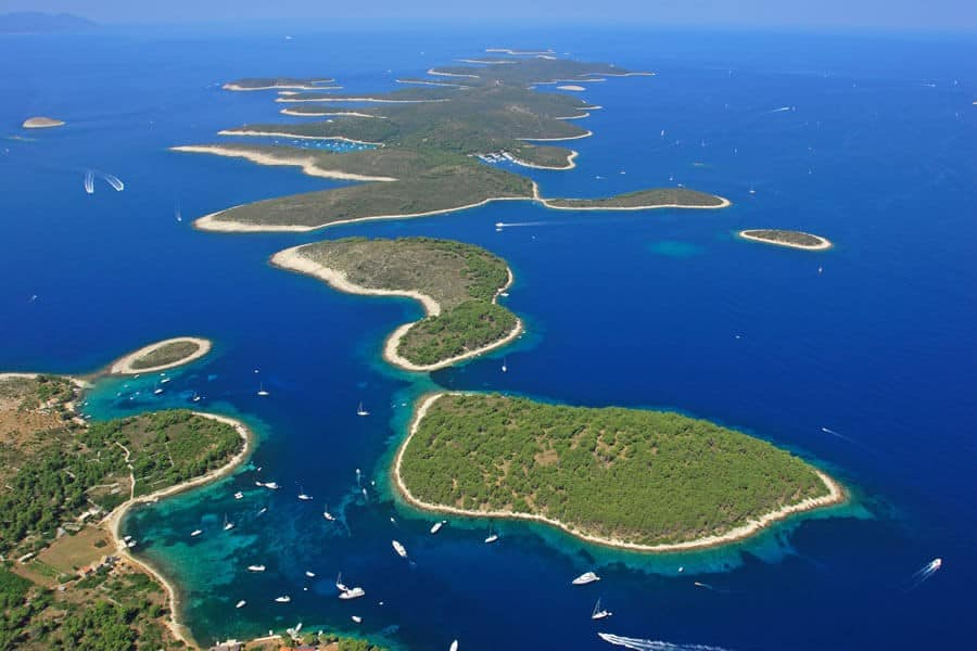 HVAR & PAKLENI ISLANDS CATAMARAN TOUR
